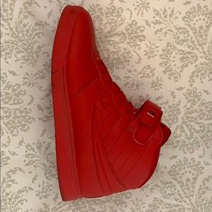 Dial Shoes Solid Red 10 1/2